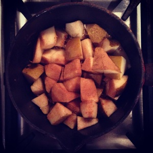 Cinnamon Pears in the Pan