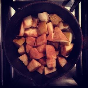 Cinnamon Pears in the Pan