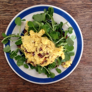 Scrambled Eggs with Cheddar & Sun-dried Tomatoes