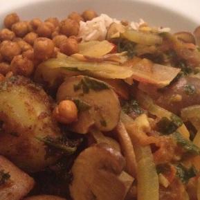 A Vegan Curry Feast (for hearty meal lovers)… Mushroom Pasanda, Bombay Potatoes & Masala Roast Chickpeas…